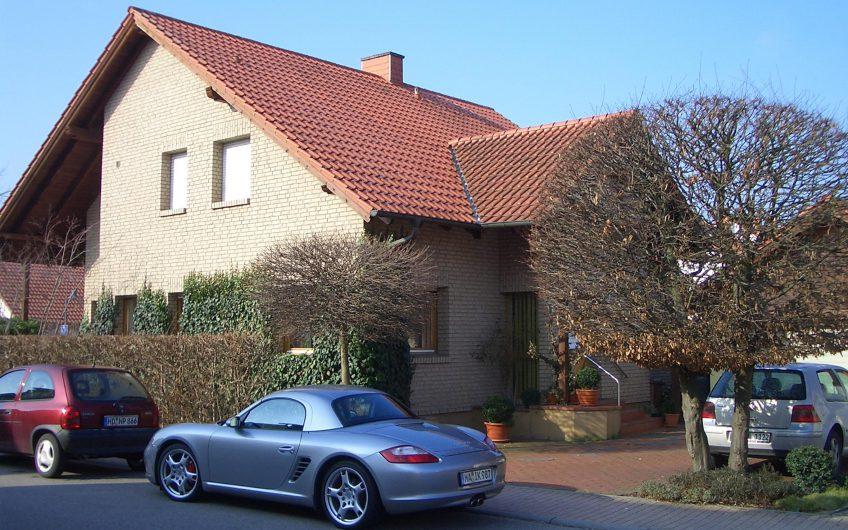 Verkauft – Modernes freistehendes 1-2 Familienhaus in Heddesheim