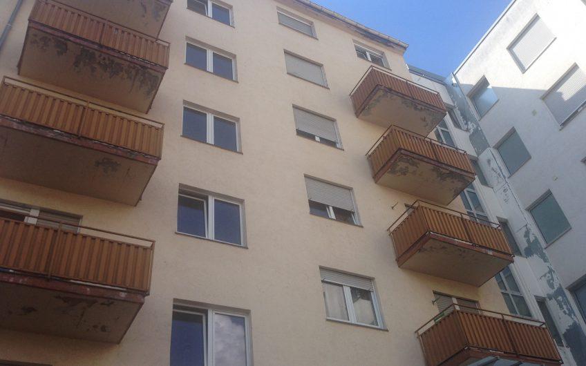 Verkauft – Mehrfamilienhaus mit Hof-Rückgebäude im Uni-Quadrat