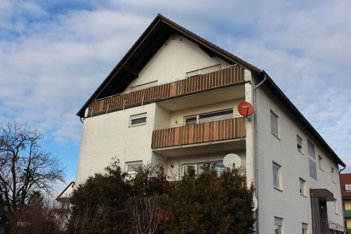Verkauft – 4 ZKB-Eigentumswohnung in 7 Familienhaus in Lützelsachsen